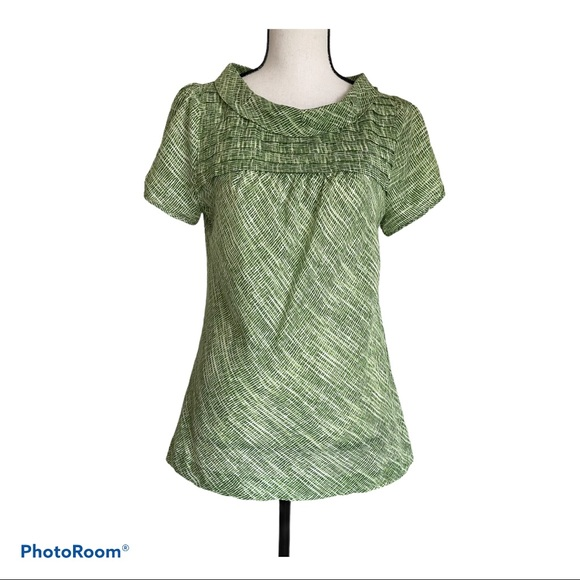 Banana Republic Short Sleeve Green Blouse - Medium